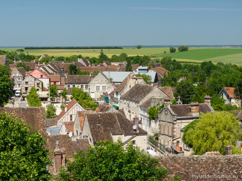 """Provins from the Caesar tower"" by Guillaume Speurt is licensed under CC BY-SA 2.0"